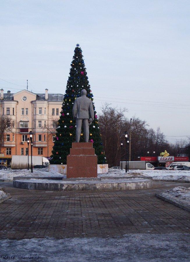Фотография: дедушка Ленин задом на фоне ёлки.jpg, пользователя: Nd_18