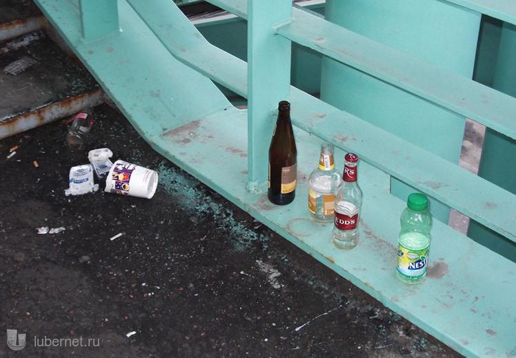 Фотография: срач на лестнице у Эстакады-2, пользователя: Nd_18