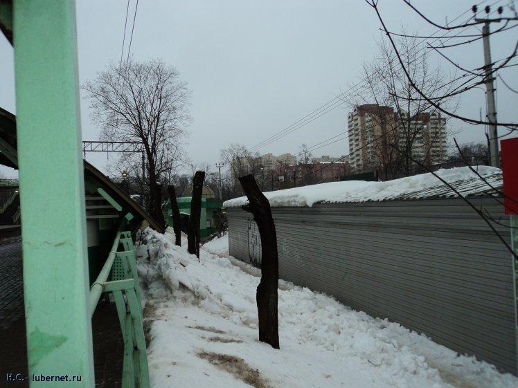 Фотография: 12.02.2013г. Так почистили снег у пл.Ухтомская с крыш палаток, пользователя: Н.С.