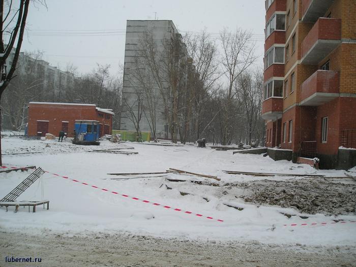 Фотография: Парковка между 43 и 44-ми корпусами, пользователя: rindex