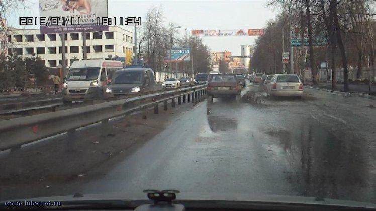 Фотография: Плывём.И Это центральная улица городского поселения!.jpg, пользователя: мотя
